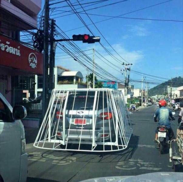 complete cage around car, wtf