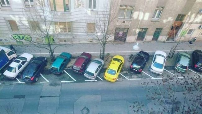 cars parked the wrong way, an ocd nightmare