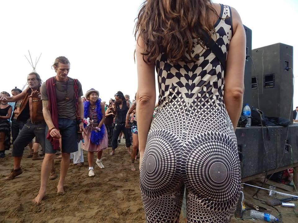 most hypnotic ass ever, festival attire