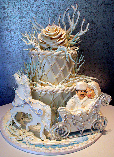docotor zhivago themed wedding cake, wtf