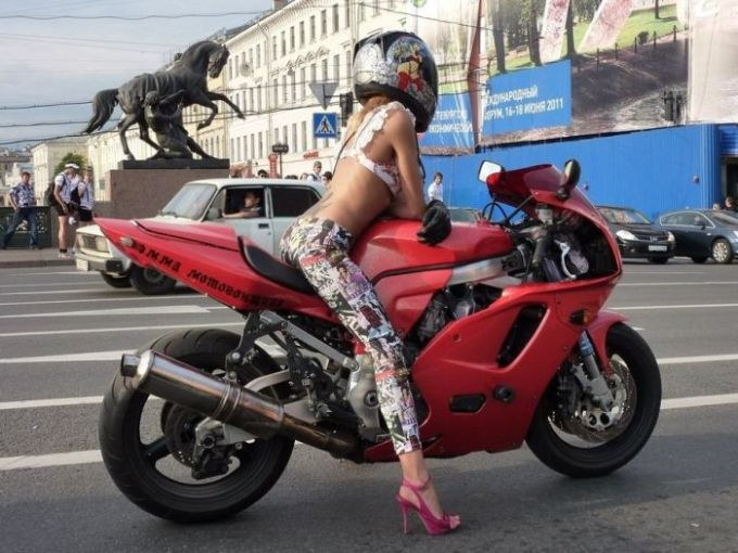 how girl on hot motorcycle
