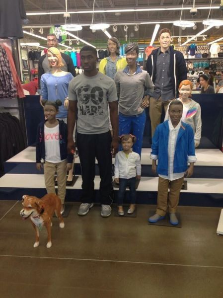 the mannequin challenge at old navy