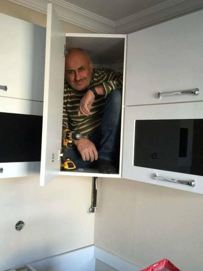 repair man who lives inside the things he repairs