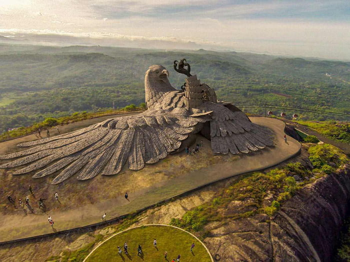 world's largest bird sculpture