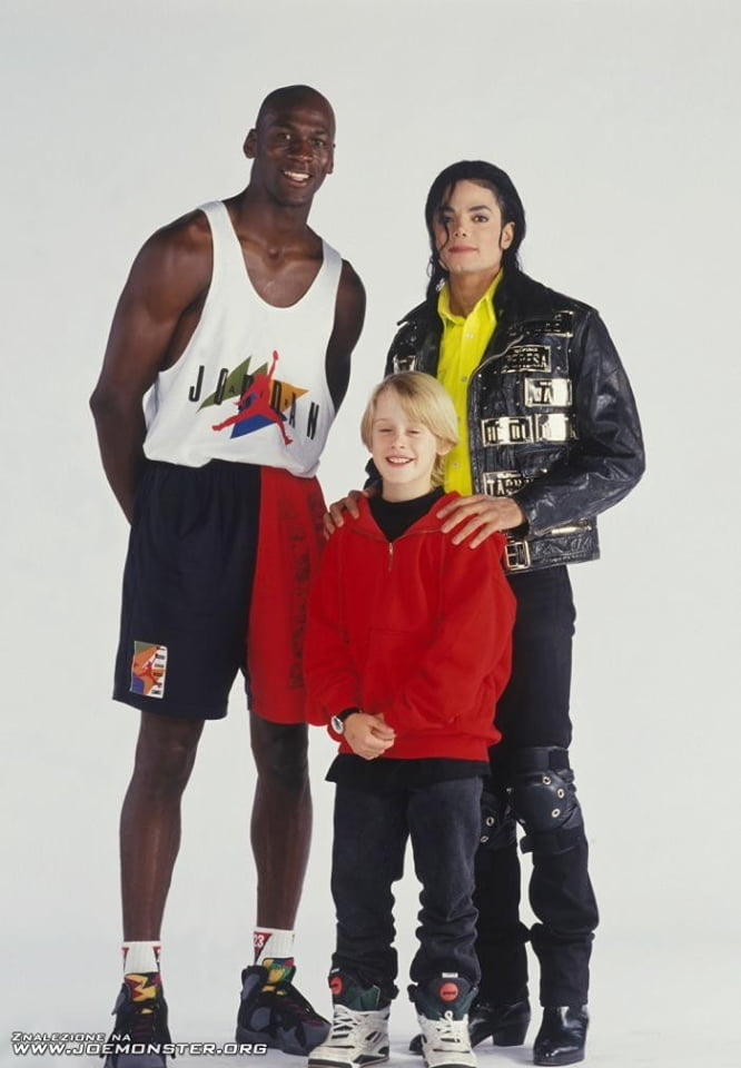 the 900s in one picture, michael jordan, michael jackson, macaulay culkin